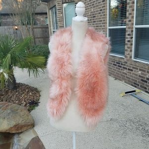 NWOT Countess faux fur like real best, S
